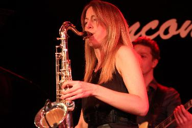 Saxophonistin Stephanie Lottermoser in Rohrbach