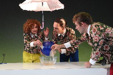 """Junges Theater: """"Rette Welt wer kann!"""""""