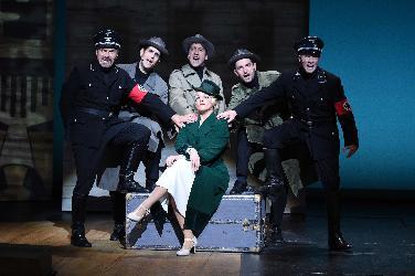 Gestapo-Agentin als Musical-Heldin