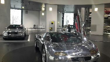 Karosserien und Kunst aus Aluminium