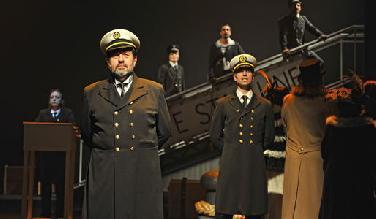 """Gastspiel Musical """"Titanic"""" im Stadttheater IN"""