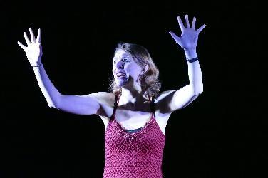 """Nicole Titus spielt Frauenmonolog """"Schottland wär schön"""""""