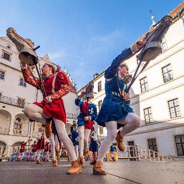 25.Neuburger Schloßfest mit Gästen aus aller Welt