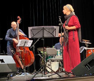 Herausragendes Jazzkonzert mit Esther Kaiser in ND